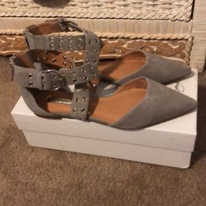 Halogen gray suede pointy toe flats NWT! Size 9